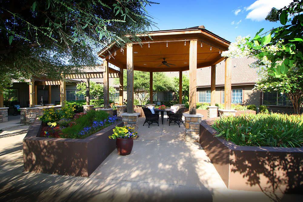 lovely landscaped courtyard at Legacy Ranch in Midland,TX