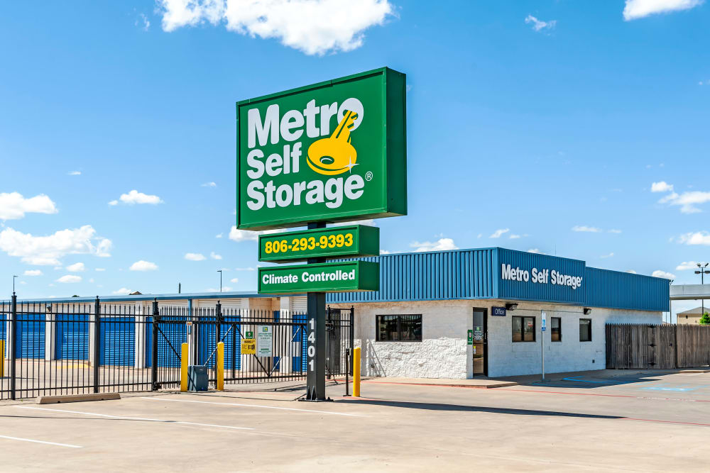 Facility sign at Metro Self Storage in Plainview, Texas