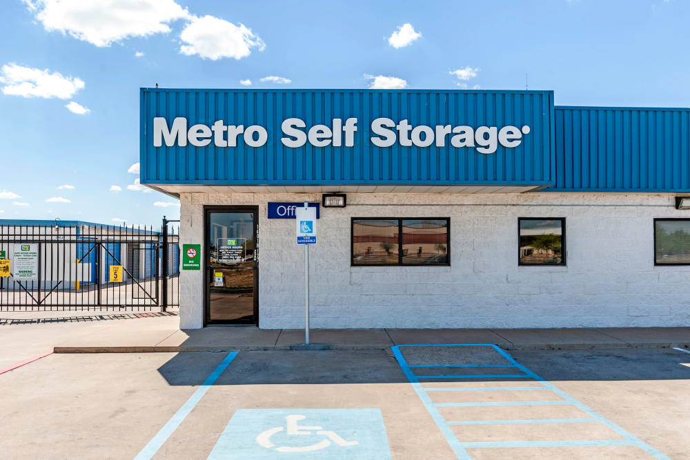 Parking area at Metro Self Storage in Plainview, Texas