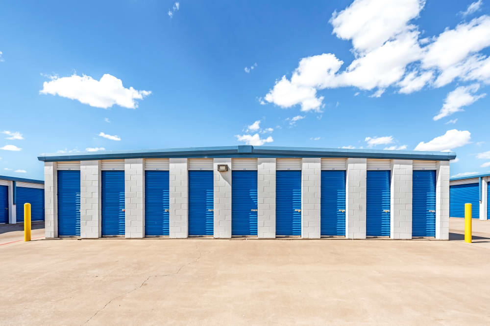 Exterior units at Metro Self Storage in Plainview, Texas
