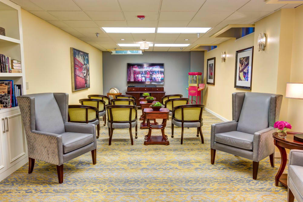 Sitting area at Queen Anne Manor Senior Living