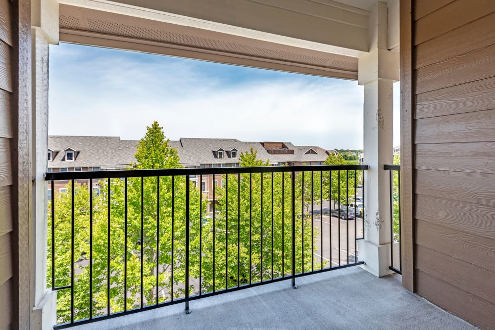 Newly updated apartments with a private patio in Lenexa, Kansas