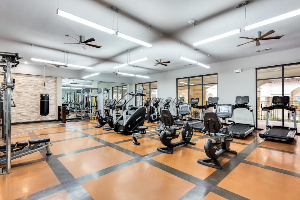 Fitness center at Villas at the Rim in San Antonio, Texas
