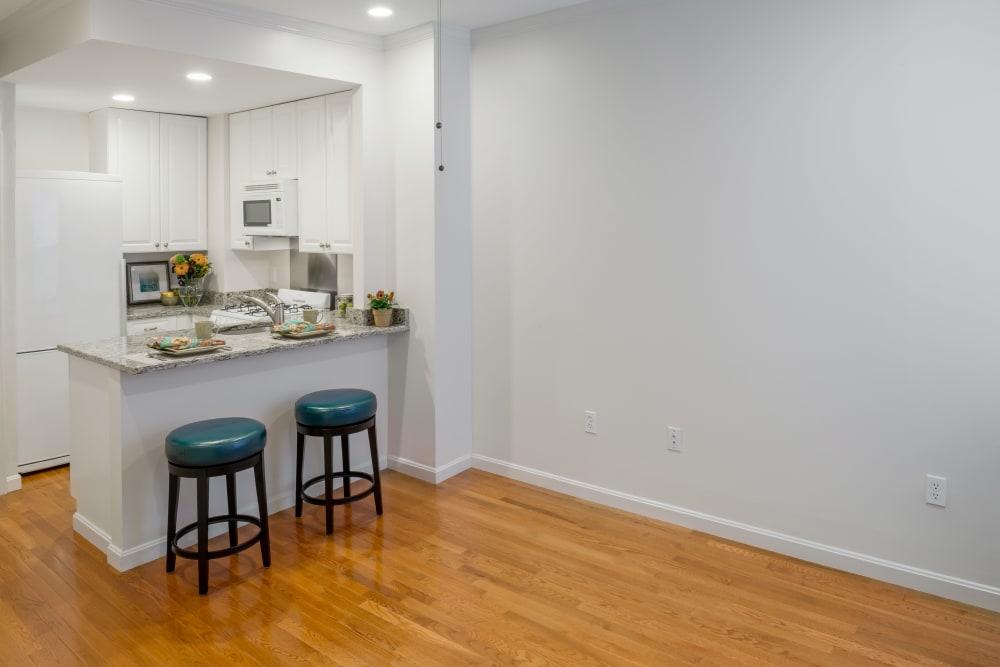 Model bar area at Burbank Apartments in Boston, Massachusetts