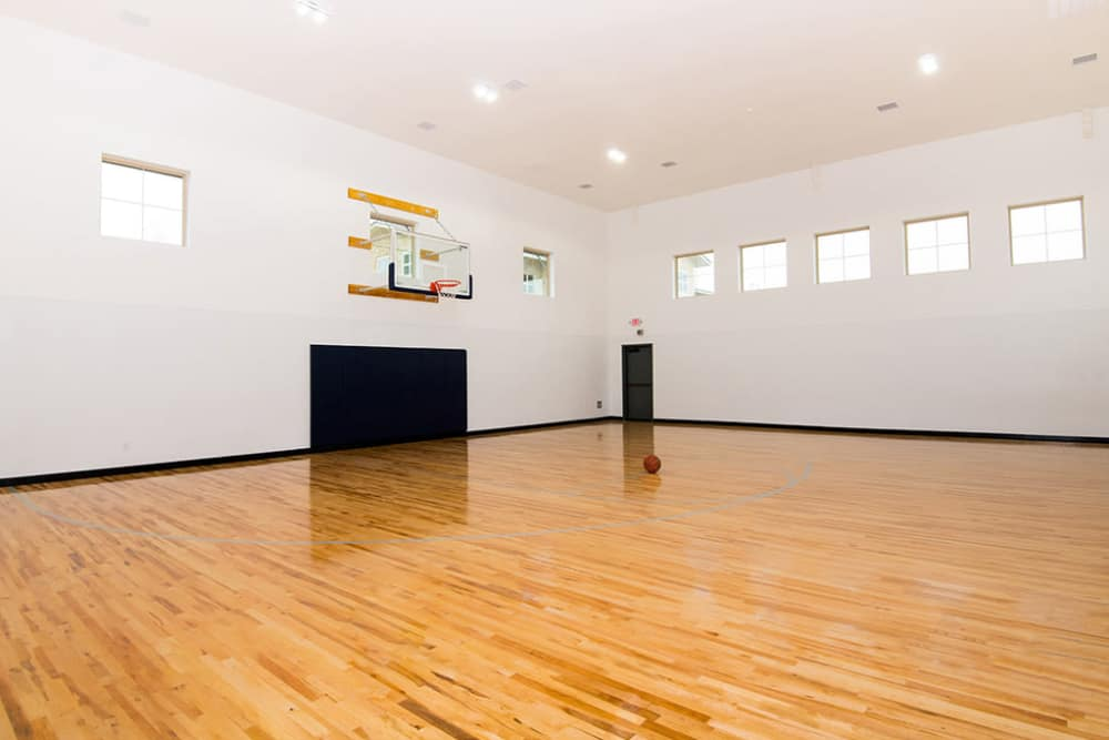 Basketball court at Estates of Richardson in Richardson, Texas