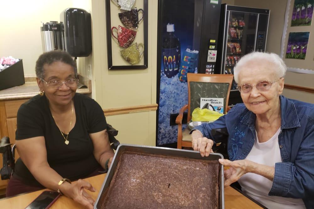 senior residents baking