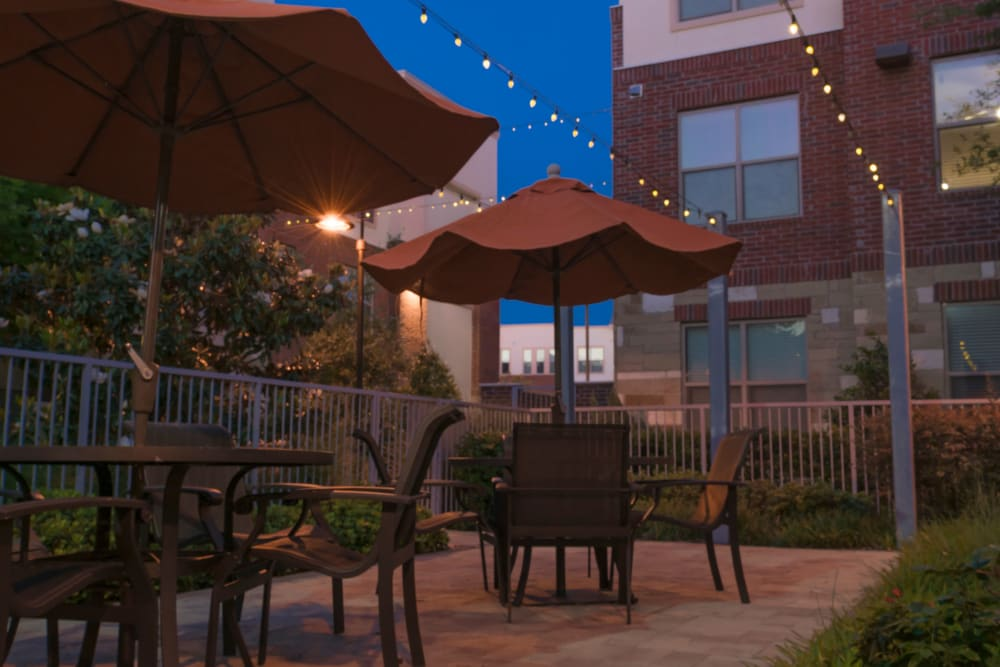 Patio at Lakepointe at Las Colinas