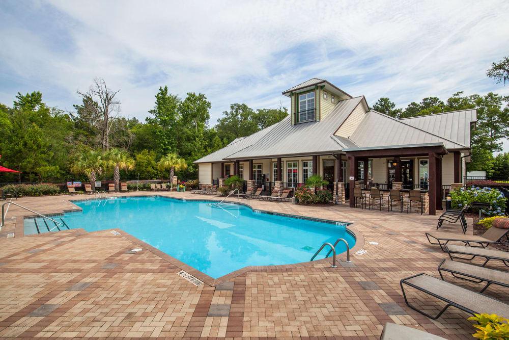Swimming pool at Panther Effingham Parc Apartments in Rincon, GA