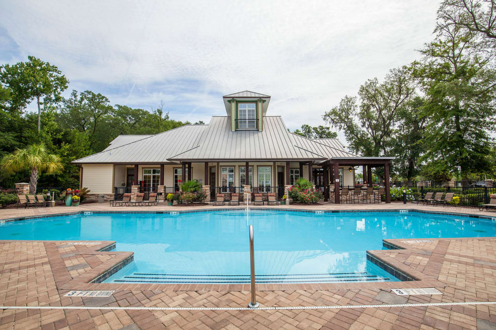 Pool at Panther Effingham Parc Apartments in Rincon, GA