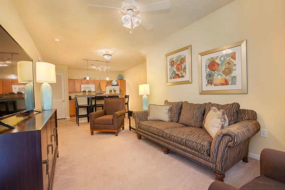 Living room at Panther Effingham Parc Apartments in Rincon, GA