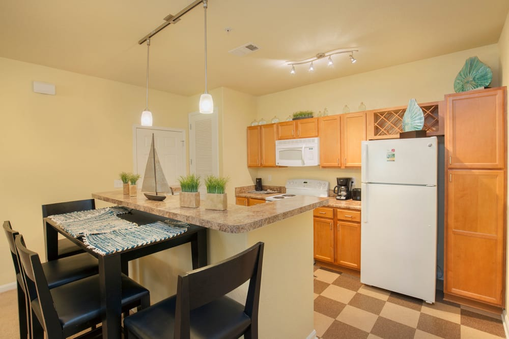 Breakfast bar at Panther Effingham Parc Apartments in Rincon, GA