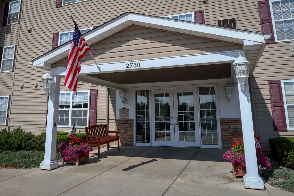 Modern entryway at Turtle Creek Apartments in Getzville, New York