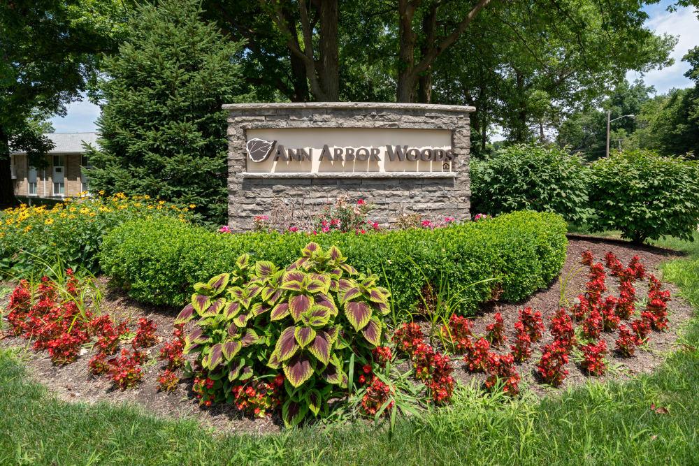 Monument sign at Ann Arbor Woods Apartments in Ann Arbor, Michigan