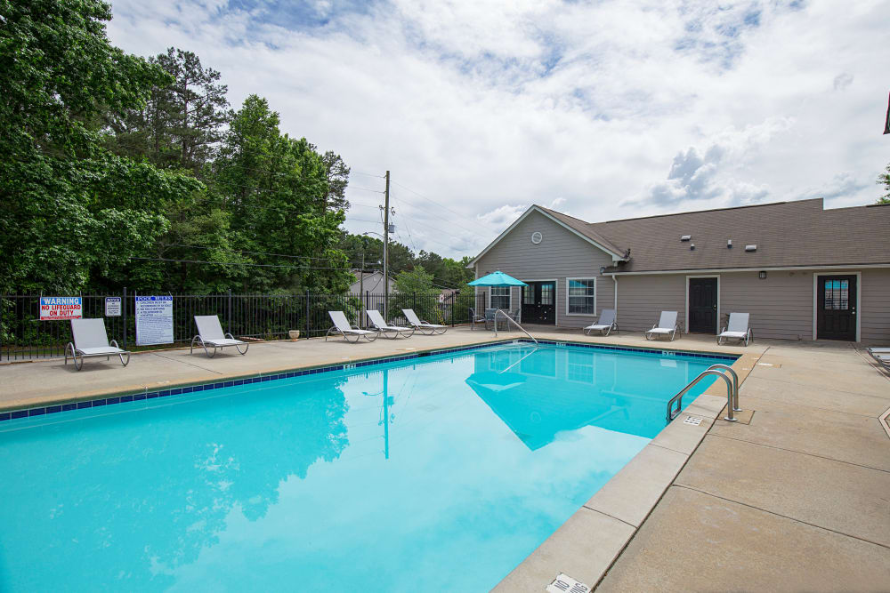 Enjoy apartments with a swimming pool at Gregory Lane in Acworth, Georgia