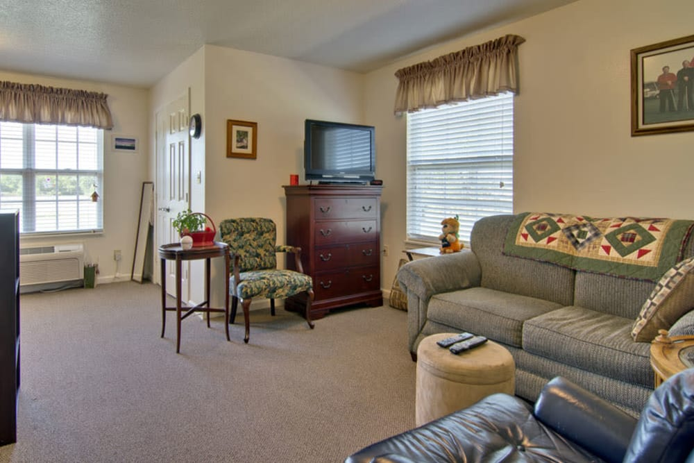 Living room at Foxberry Terrace Senior Living in Webb City, Missouri