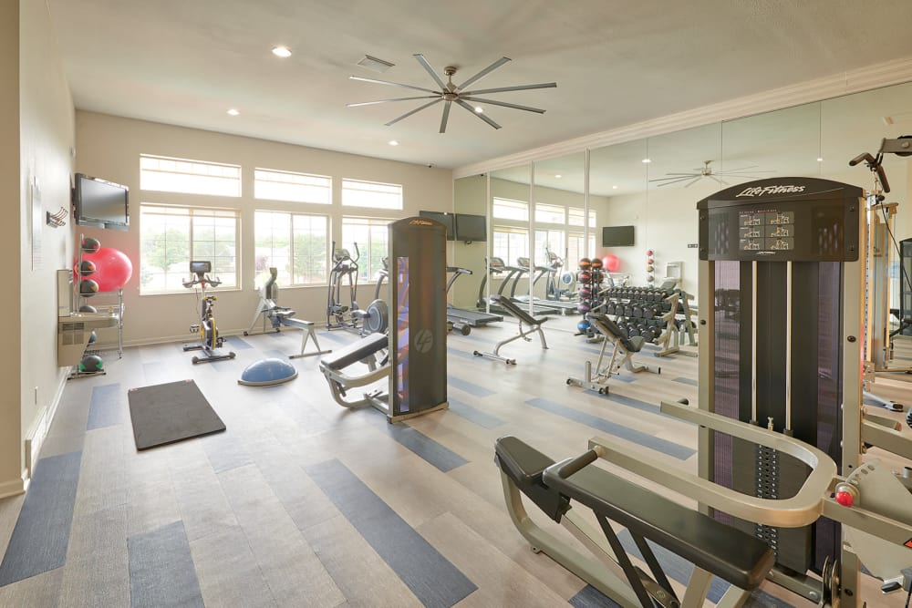 Newly Renovated Fully-equipped Fitness center at Villas at Homestead Apartments in Englewood, CO