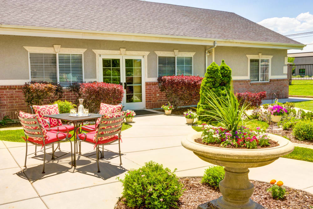 Our secure coutyard at The Wentworth at Draper gives families peace of mind