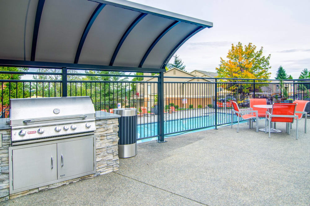 Barbecue area with gas grills at Montair at Somerset Hill in Tumwater, WA