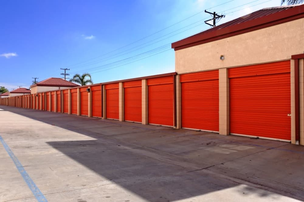 exterior storage units Fullerton, CA | A-1 Self Storage