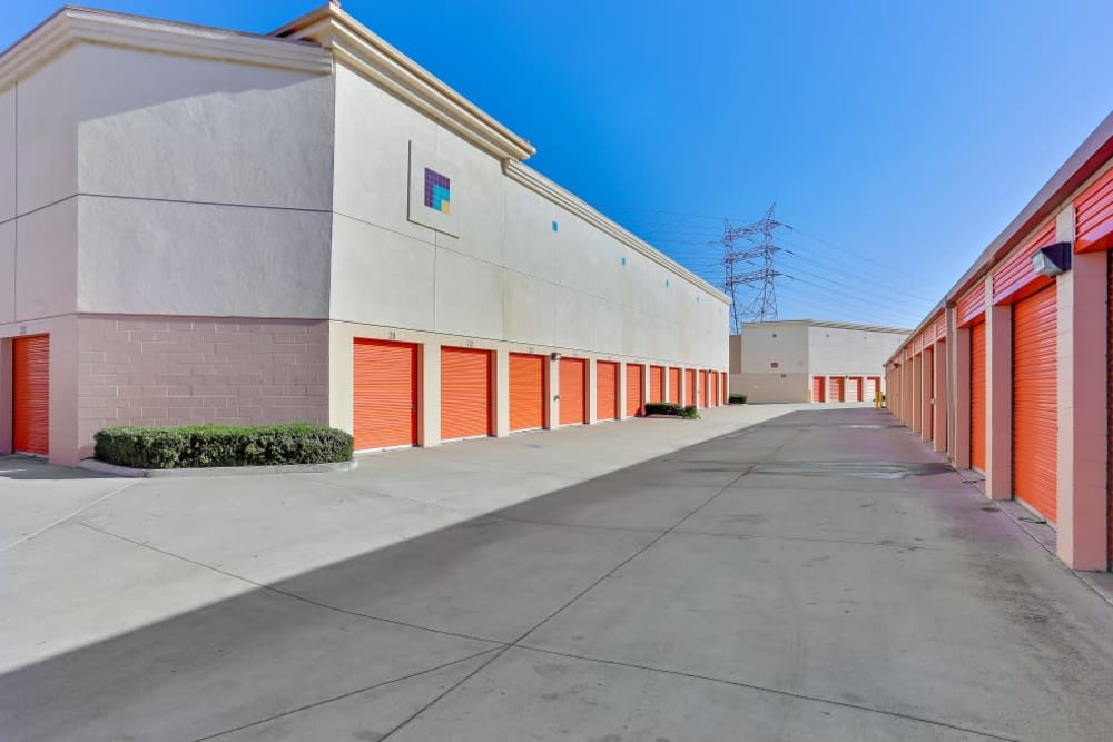 Row of outdoor storage units at A-1 Self Storage in Paramount, California