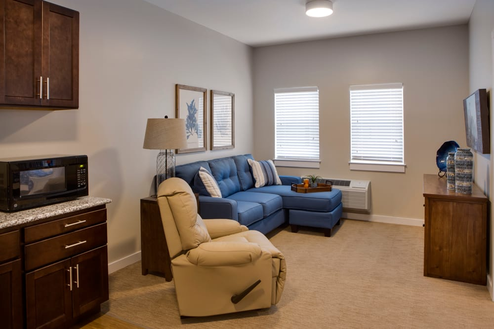 Living room at Heritage Oaks Assisted Living and Memory Care in Englewood, Florida