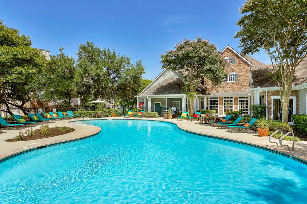 Beautiful swimming pool at The Lodge at Westover Hills in San Antonio, Texas