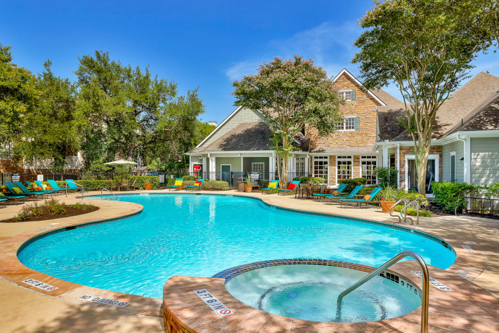 Swimming pool at The Lodge at Westover Hills in San Antonio, Texas