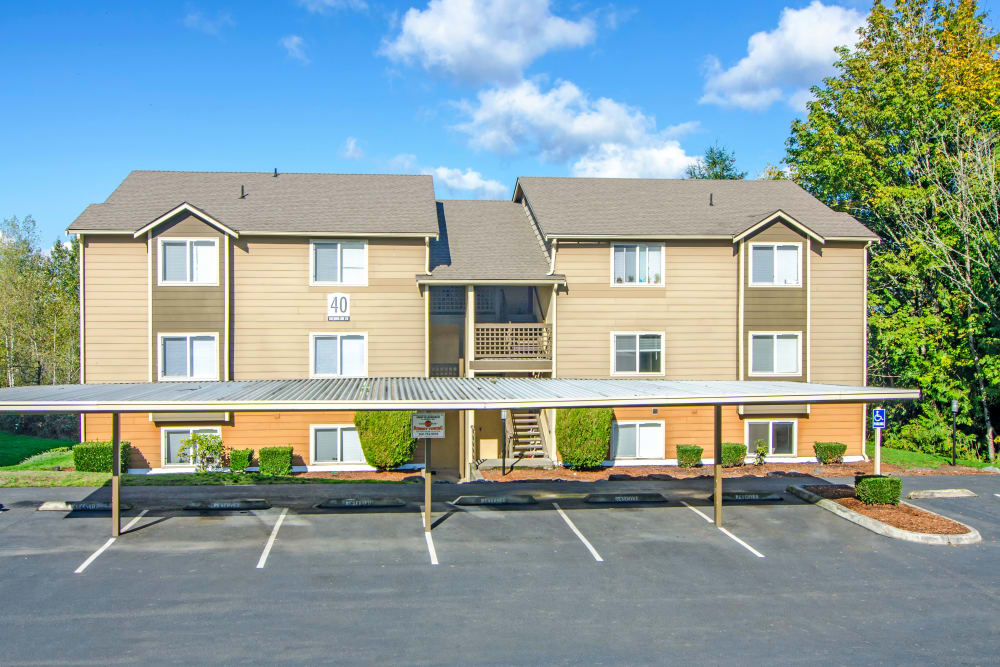 Exterior view of Montair at Somerset Hill apartments and parking in Tumwater, Washington