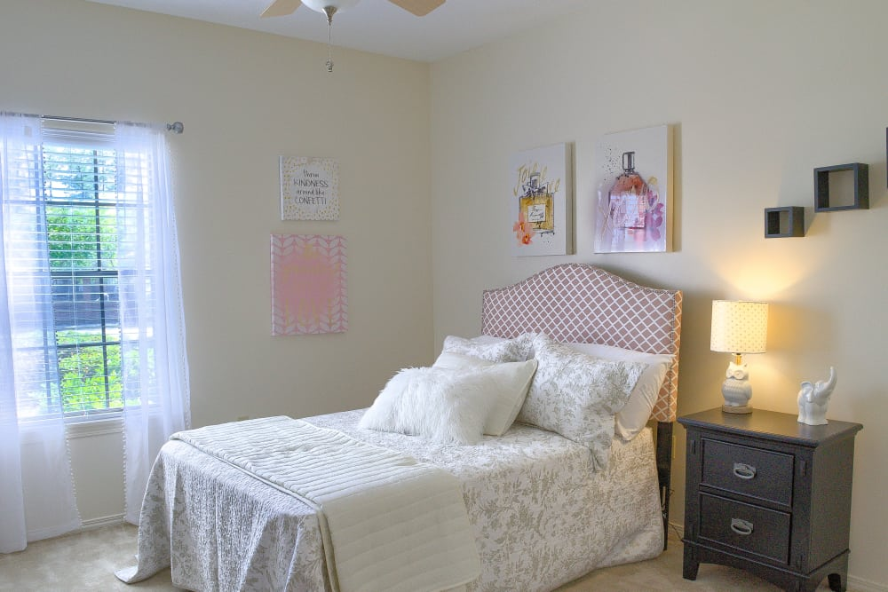 Guest bedroom at Oxford Point in Gulfport, Mississippi