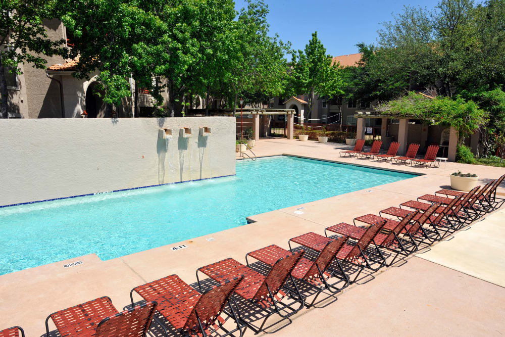 Swimming pool at Rancho Palisades in Dallas, Texas.