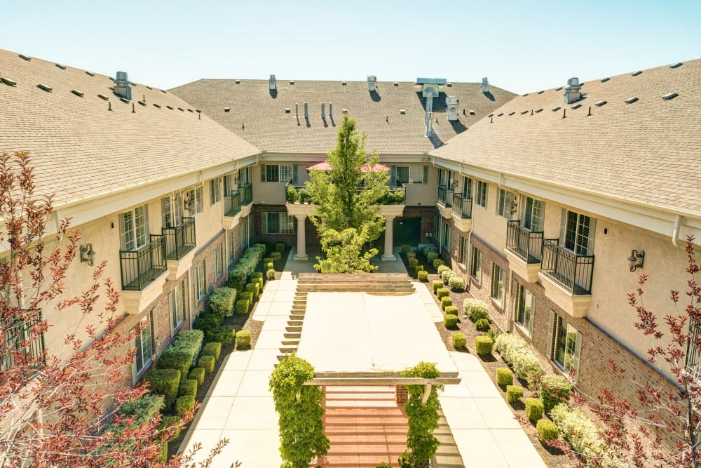 The Wentworth at Coventry offers Assisted Living and Memory Care