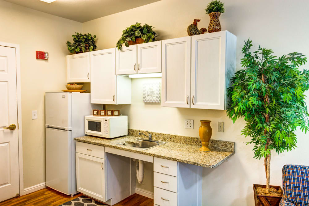 The Wentworth At East Millcreek kitchenette
