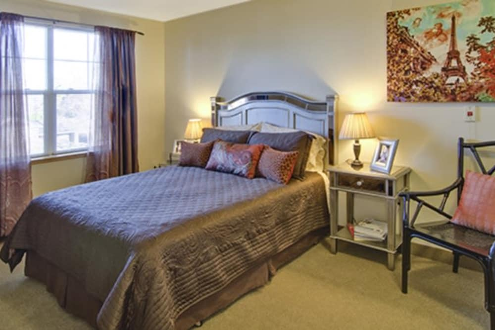 Cherry Park Plaza apartment bedroom