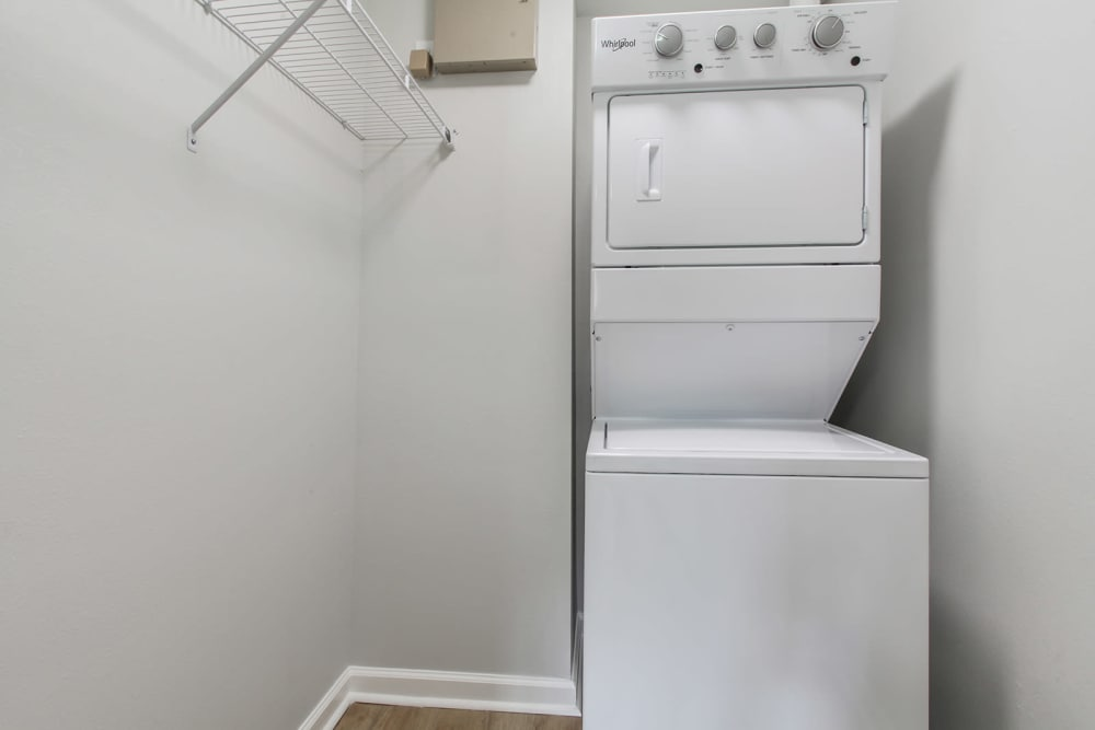 Washer and dryer at apartments in New Orleans