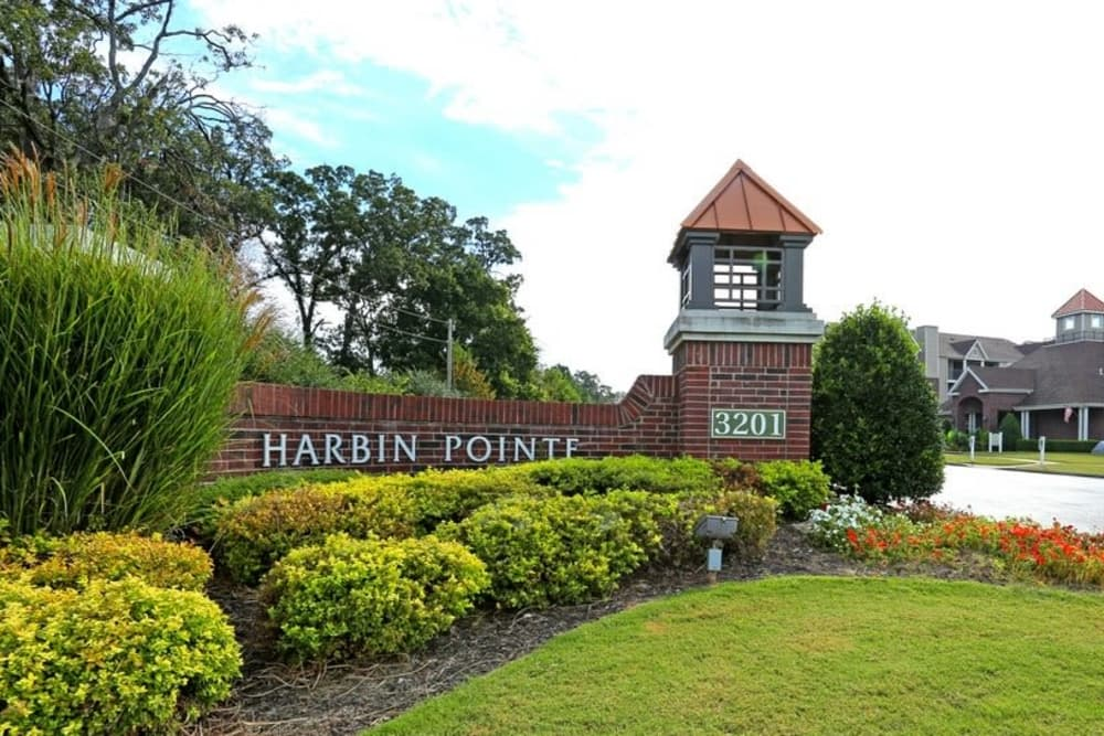 Sign at Harbin Pointe Apartments in Bentonville, Arkansas