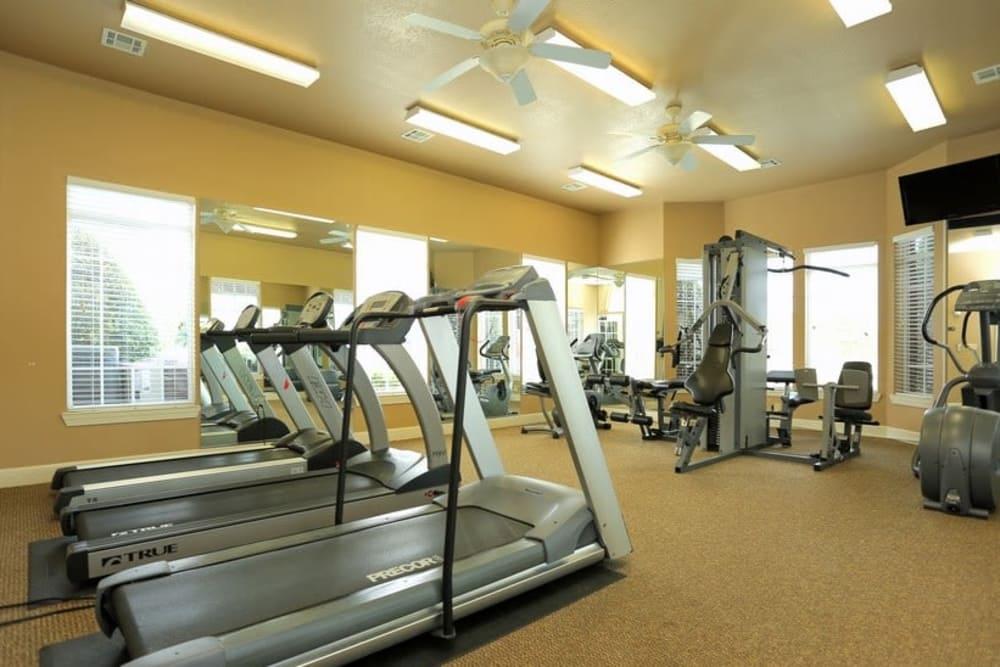 Fitness center at Harbin Pointe Apartments in Bentonville, Arkansas