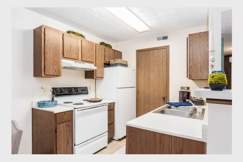 Enclave at Albany Park offers a kitchen in Westerville, Ohio
