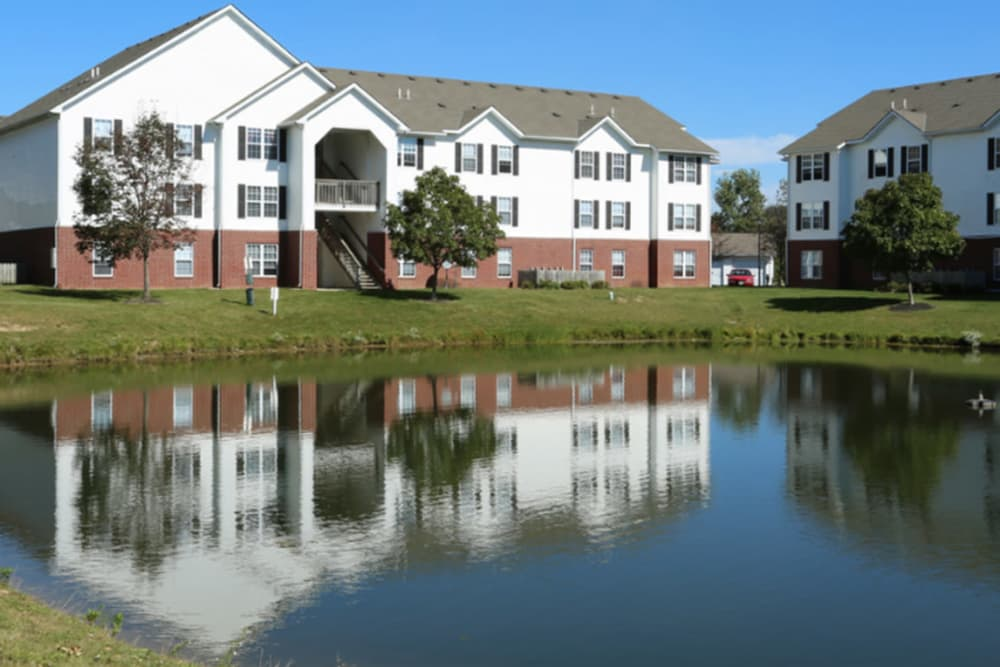 Beautiful outside view at Gateway Lakes Apartments in Grove City, Ohio