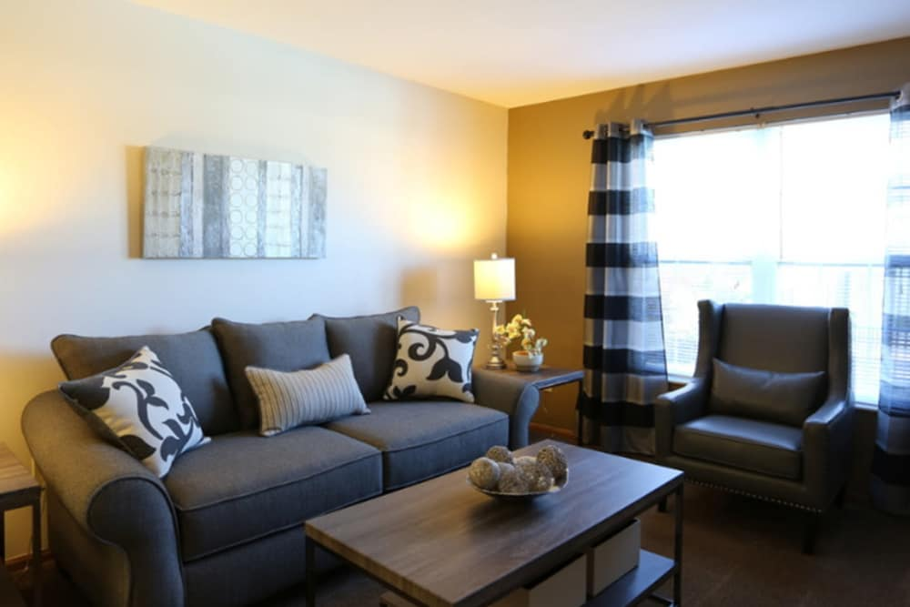 Living room at Gateway Lakes Apartments in Grove City, Ohio