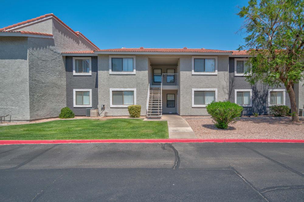 Exterior of apartments at Argenta Apartment Homes in Mesa, Arizona