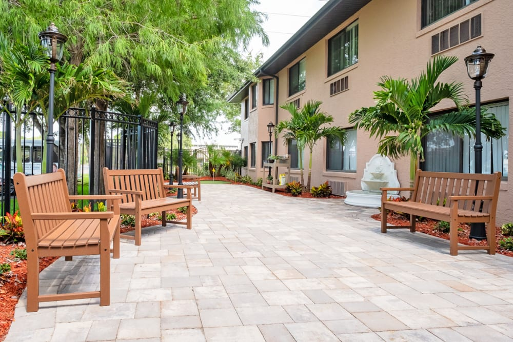 Courtyard at Grand Villa of Englewood in Florida