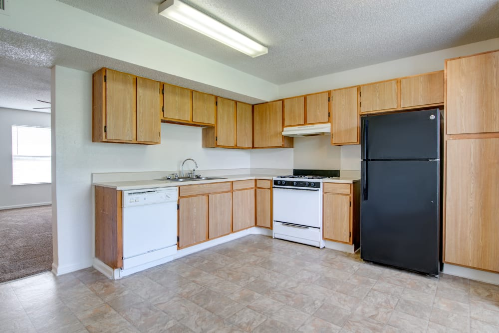 A large kitchen with a washer at Cedar Ridge in La Vergne, Tennessee