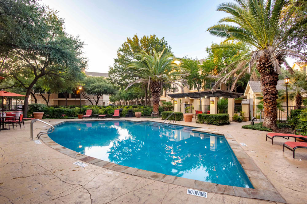 The Quarry Townhomes offers a beautiful swimming pool in San Antonio, Texas