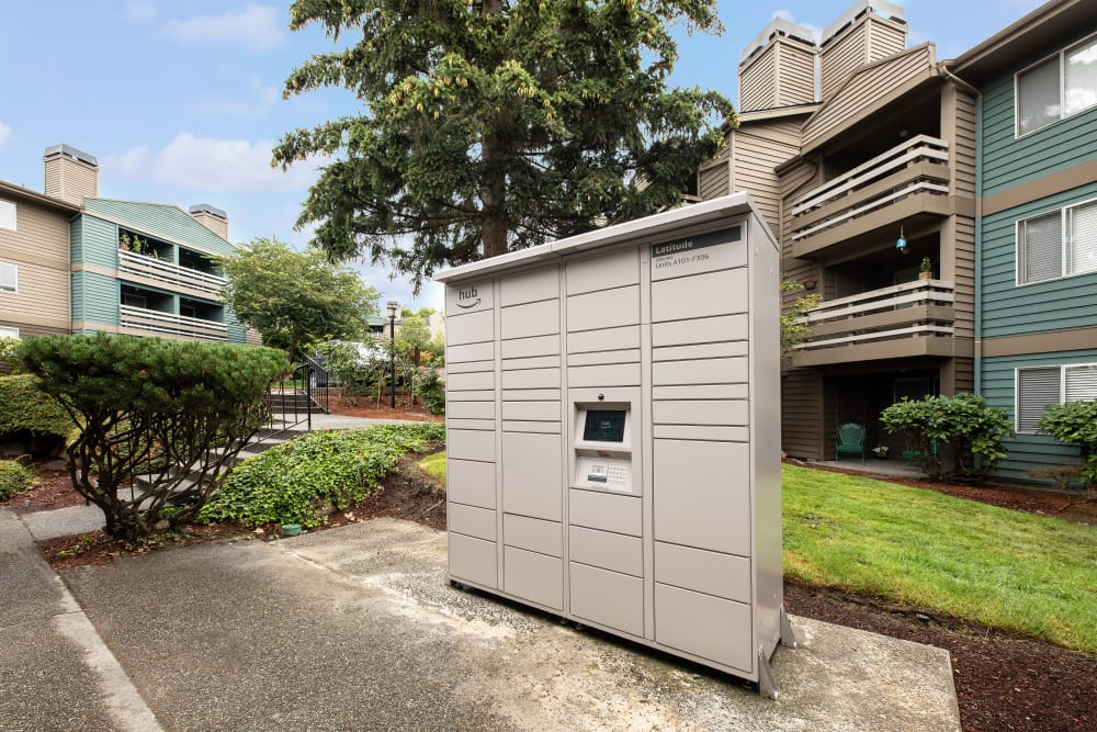 24-hour package lockers at Latitude Apartments