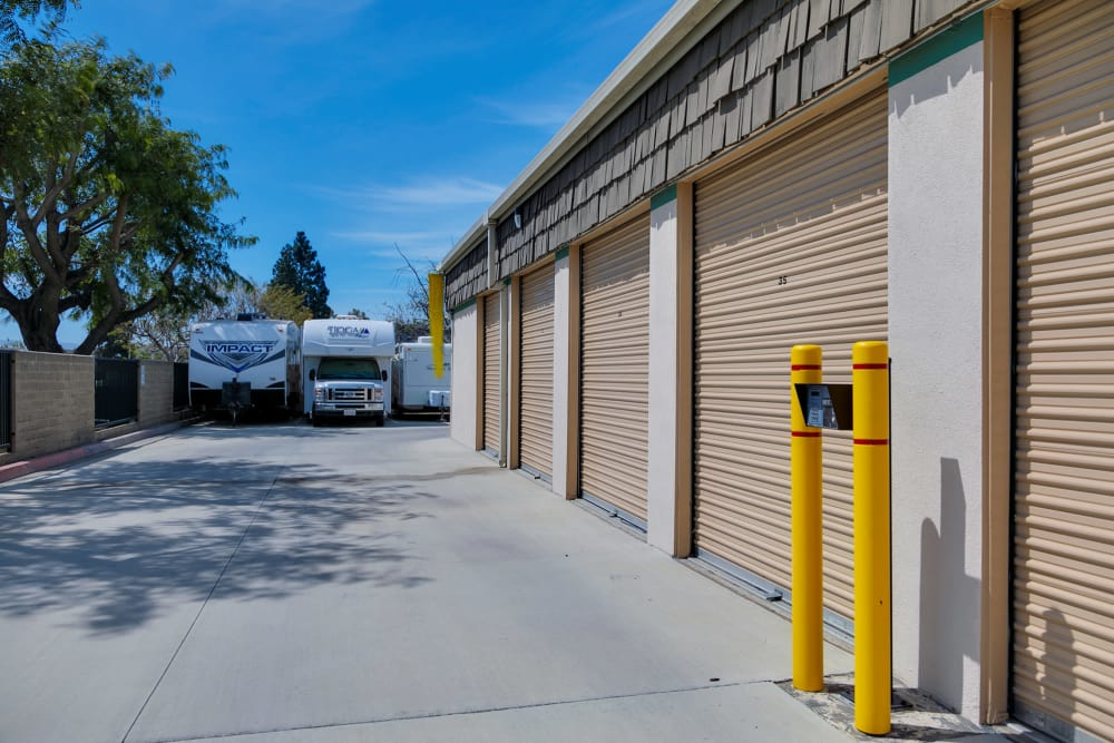 Exterior units at Citizens Storage in Camarillo, CA