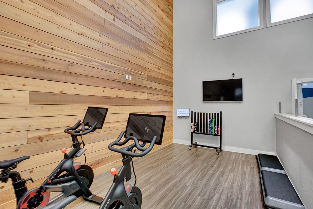 Fitness center at Waters Edge Apartments in Kent, WA