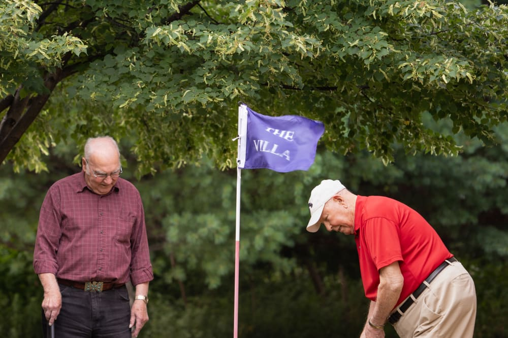 Residents playing golf at Villa at the Lake in Conneaut, Ohio