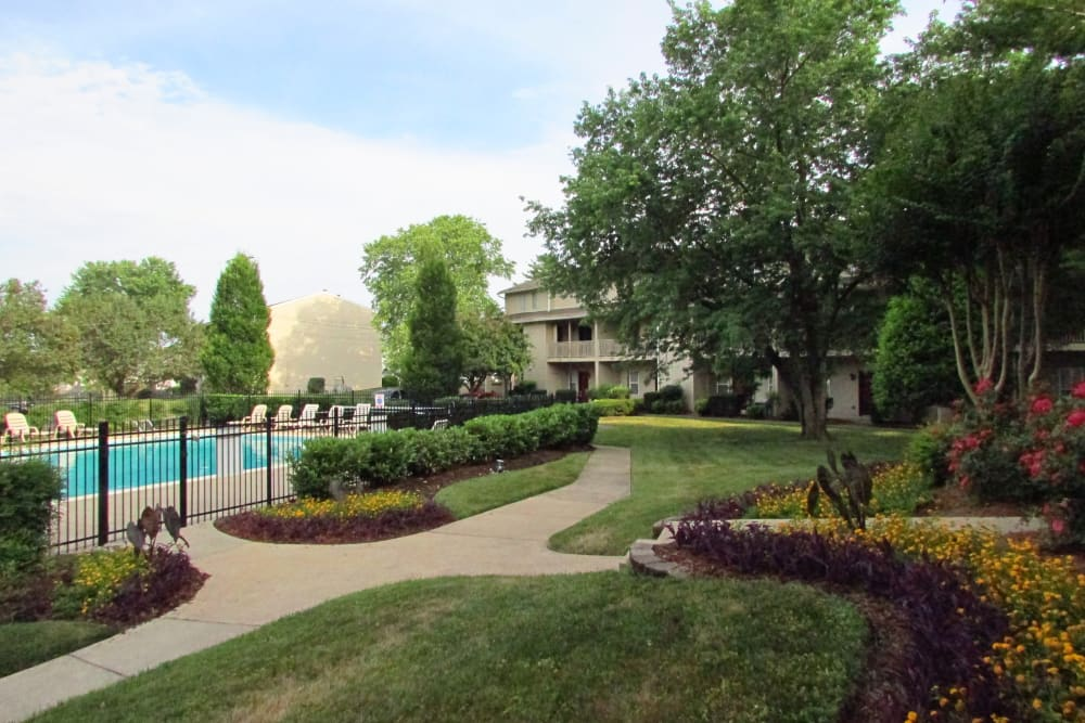 Side photo of the swimming pool at Lincoya Bay Apartments & Townhomes in Nashville, Tennessee