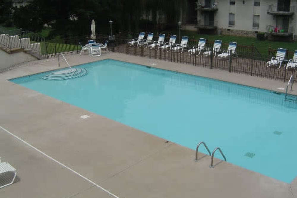 Swimming pool at Hickory Creek Apartments & Townhomes in Nashville, Tennessee