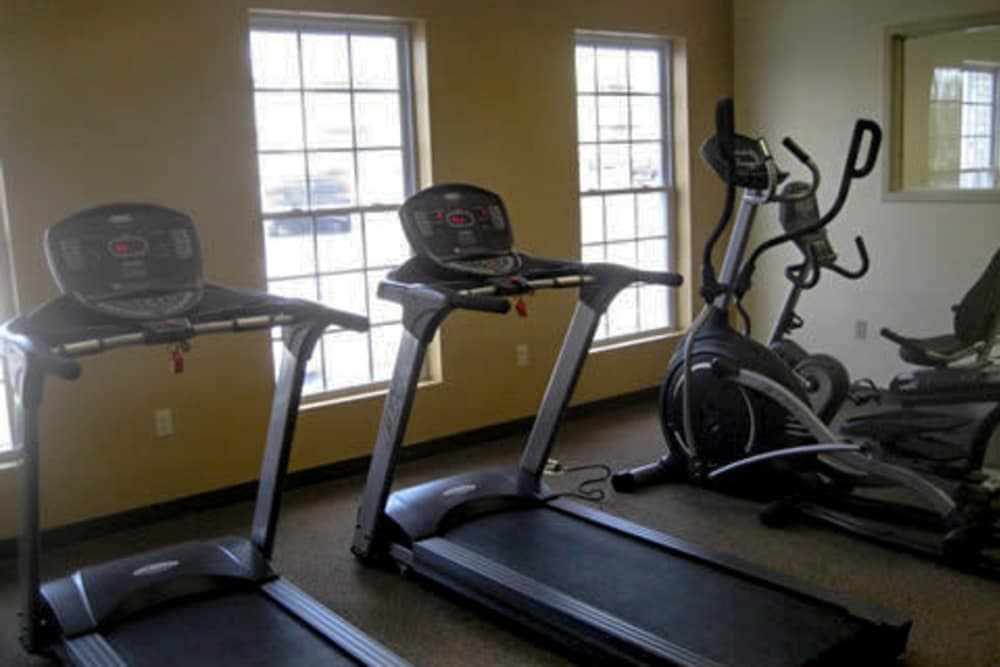 Fitness center at Jackson Grove Apartment Homes in Hermitage, Tennessee